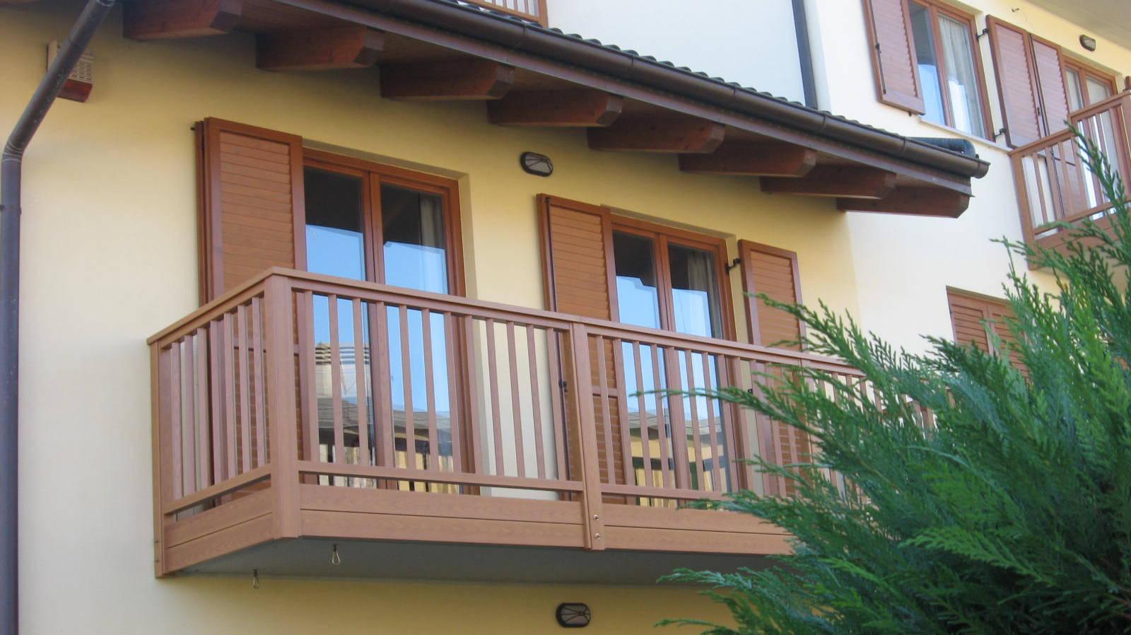 Realizzazione balconi in legno